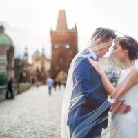 Connie & Fodo - Pre-Wedding photo shooting in Prague - Groom and Bride Under the Veil
