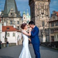 Connie & Fodo - Pre-Wedding photo shooting in Prague - Groom and Bride on Charles Bridge