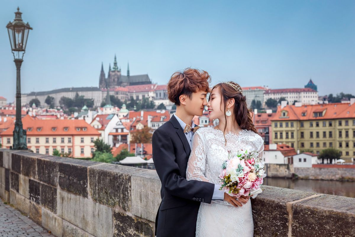Groom and Bride with a Prague Castle view